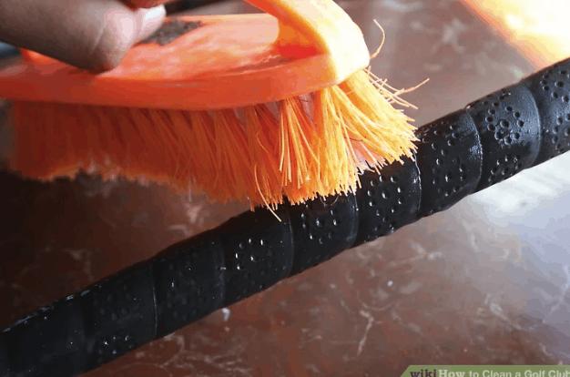 cleaning golf club grip