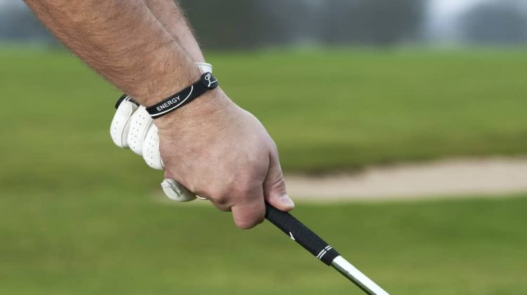 10 Best Golf Grips For Sweaty Hands – Unbiased Reviews